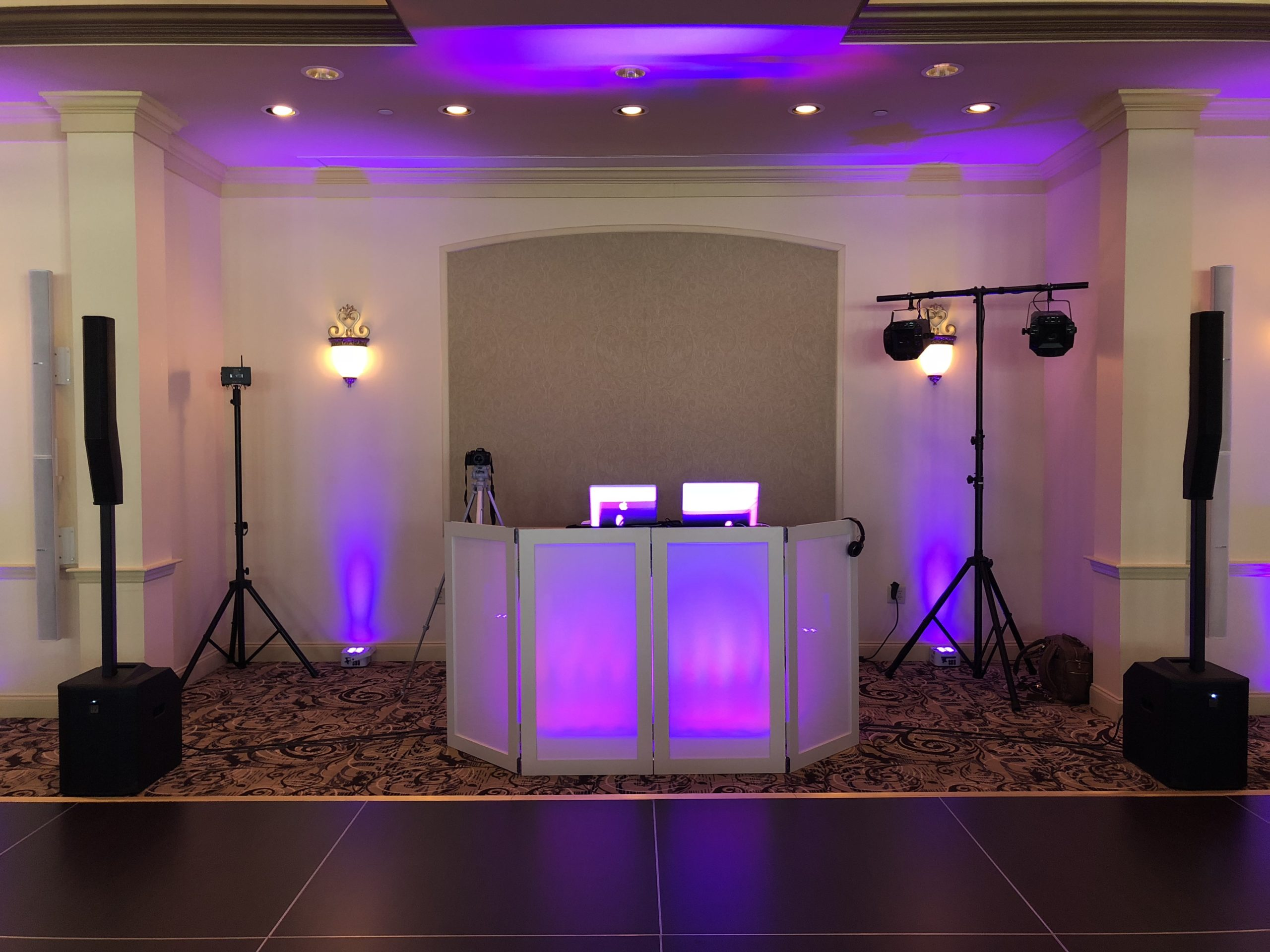 maine dj setup at the union bluff meeting house in york maine